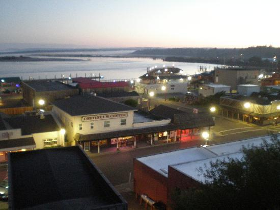 Bandon Inn: harbor view at dawn
