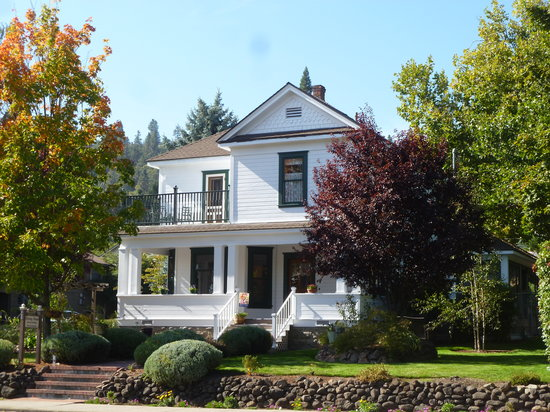 Photo of Abigail's Bed and Breakfast Inn Ashland