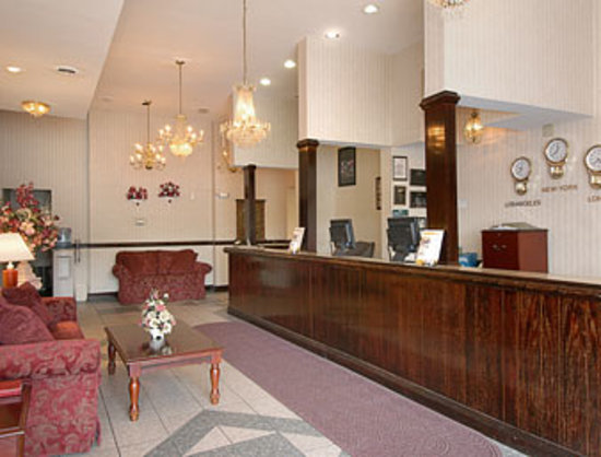 Photo of Countryside Inn & Suites Breezewood