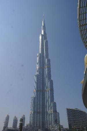 قمة برج خليفة burj khalifa from dubai mall waterfront