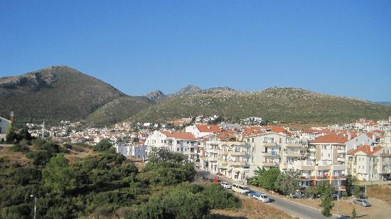 Uslu Apart Otel: Looking over the town