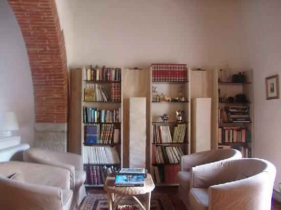 Relais San Pietro in Polvano: Books!