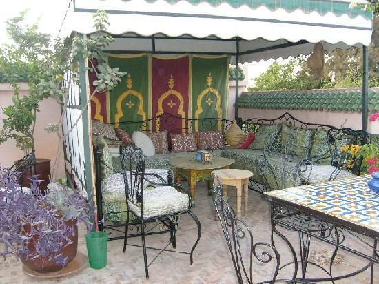 Riad Lahboul: Gazebo on lower terrace
