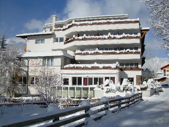 Photo of Alpen-Comfort-Hotel Central Nauders
