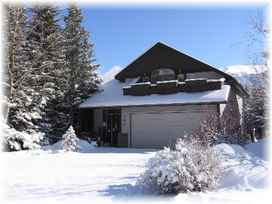 Homestead Bed & Breakfast: Winter Wonderland
