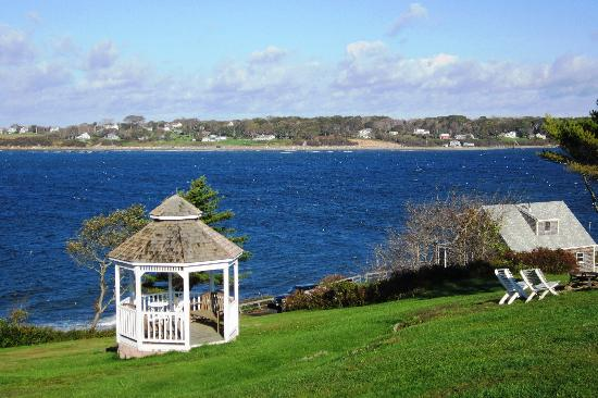 Sea Escape Cottages: Property gazebo and views