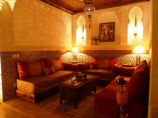 Riad Viva: Patio with lounge