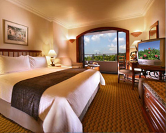 Orchard Parade Hotel by Far East Hospitality: Enjoy a Comfortable Stay at Orchard Parade Hotel.