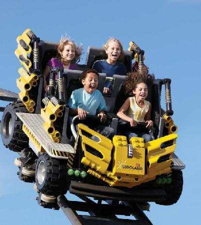 ‪‪Winter Haven‬, فلوريدا: Play Your Part with more than 50 rides, shows and attractions.‬