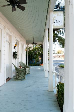 Tallman Hotel: The porch.