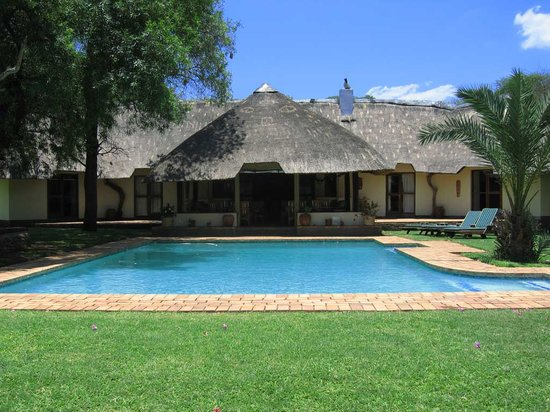 ‪Mziki Safari Lodge‬
