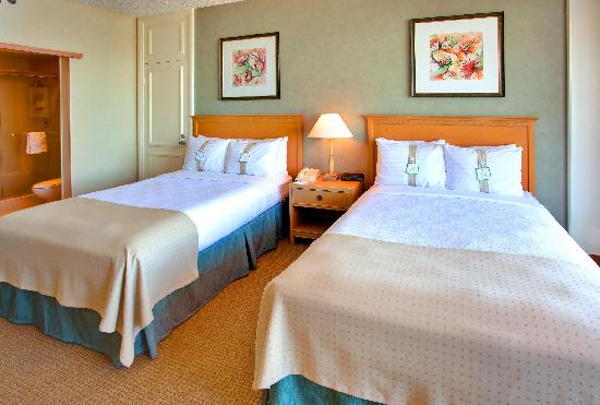 Interconnecting Rooms With Two Double Beds Picture Of Wyndham San Diego Bayside San Diego