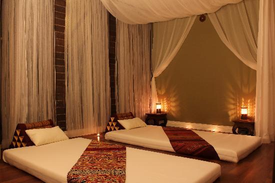 Traditinal Thai Massage Room For Couples Fern Room