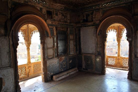 View of the fort from the haveli picture of salim singh for Balcony ki photo