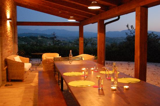 Colmurano, Italy: Perfect spot for a relaxing dinner