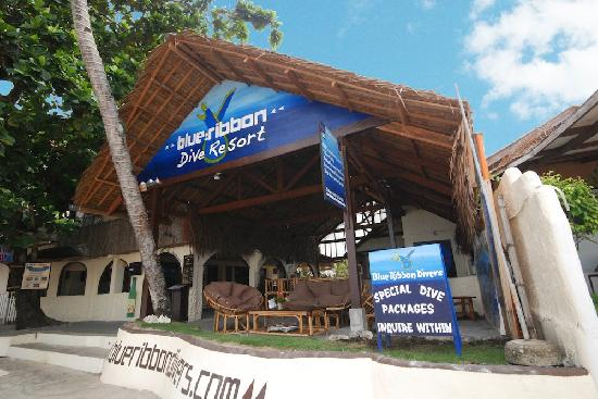 The front of the newly Renovated Blue Ribbon Dive Resort