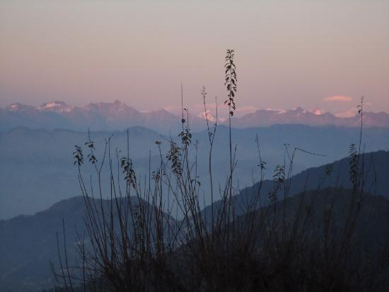 Grand View Hotel: View of Pir Panjal range from our room