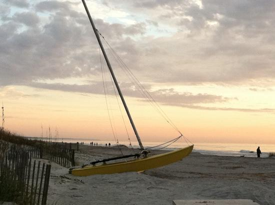 Disney&#39;s Hilton Head Island Resort: early morning on the beach
