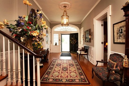 A Storybook Inn: Our welcoming 45 ft long foyer