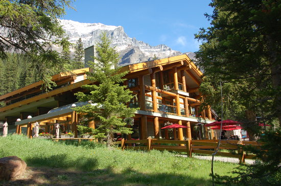  : Moraine Lake Lodge