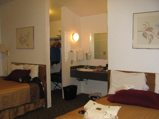 Travelodge Wenatchee: The large room