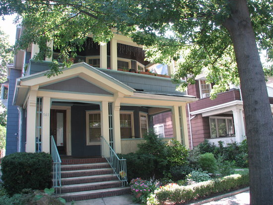 ‪The Isabella At Ditmas Park Bed & Breakfast‬