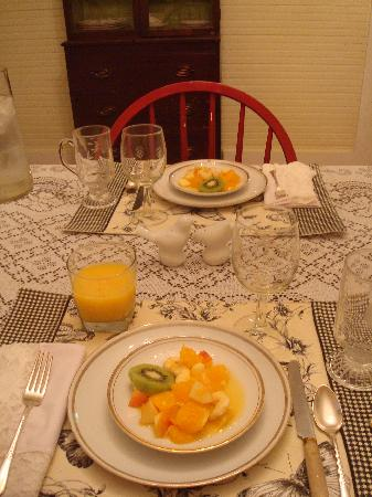 The Bed and Breakfast at Peace Hill: Breakfast