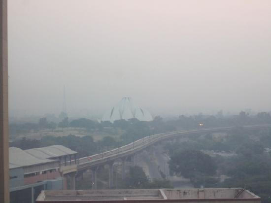 Eros Hotel managed by Hilton: View of Lotus Temple from our room