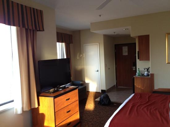 Wingate by Wyndham Bush Intercontinental Airport IAH : single room with kitchenette
