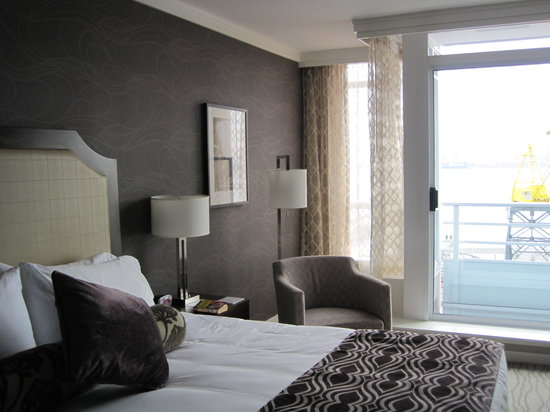 Pinnacle Hotel At The Pier: Harbourside room