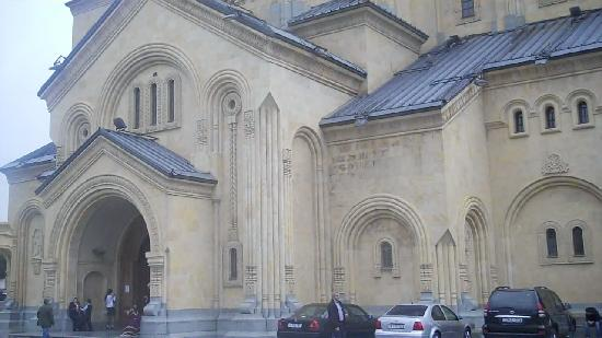 Тбилиси, Грузия: Tsminda Sameba Cathedral in  Tbilisi ,Georgia