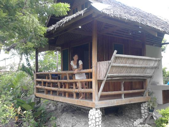 Mayas Native Garden: the front of the native hut