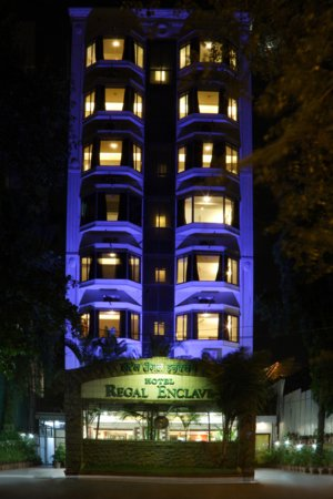 Hotel Regal Enclave: Front Exterior
