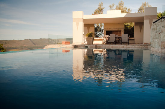 Villa Paradisa Guest House: Big pool for cooling off