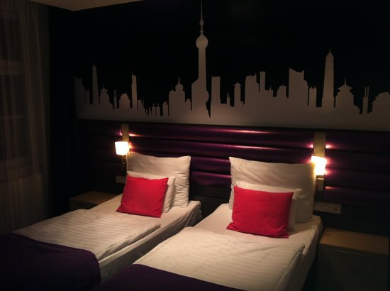 Cosmo Fashion Hotel: Twin Room