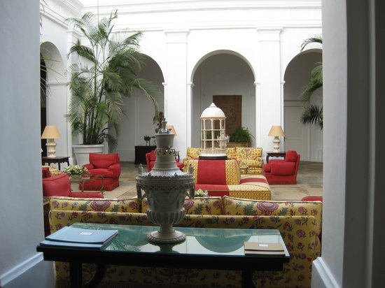 Finca Cortesin Hotel, Golf & Spa : Interior of entrance