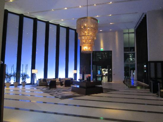 EPIC Hotel - a Kimpton Hotel: Lobby