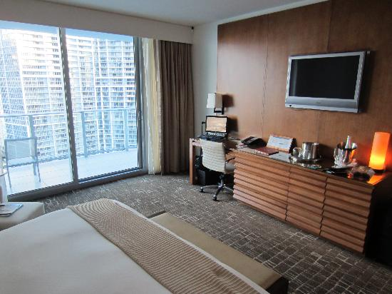 EPIC Hotel - a Kimpton Hotel: King Premier Water View Room