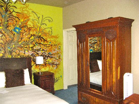 Queen Anne Bed & Breakfast: Suite #3 Bedroom