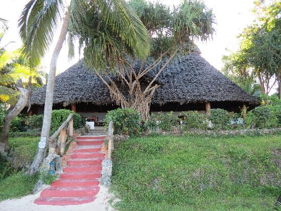 Pongwe Beach Hotel: Main hut/Dining Room