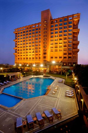 Eros Hotel managed by Hilton: Hilton hotel in New Delhi near the airport