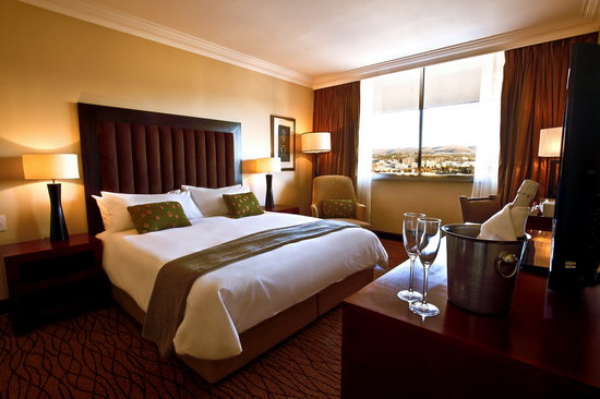 Kalahari Sands Hotel &amp; Casino: Luxury Superior Suite Room