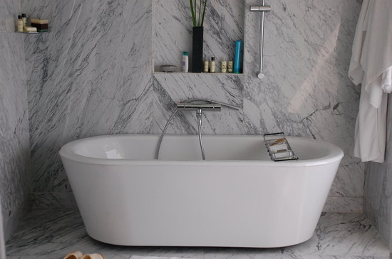 Hyatt Regency Pune: Bath tub