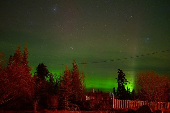 Whitehorse, Canada : Spectacular aurora as seen from the Inn (taken by another guest, used with permission)