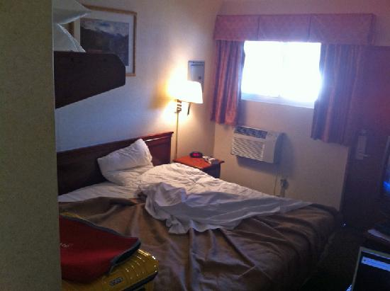 Rodeway Inn: Room 1
