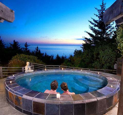 WildSpring Guest Habitat: WildSpring open-air slate spa overlooking the ocean