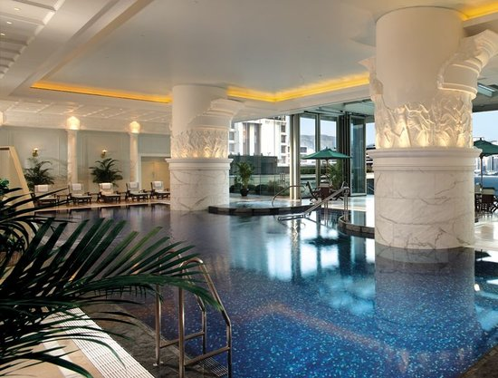 Swimming Pool at The Peninsula Hong Kong