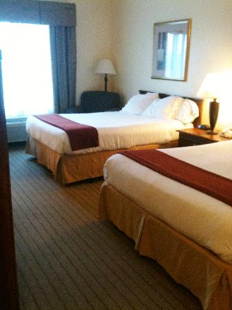 Holiday Inn Express Enterprise: room
