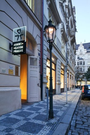 Avantgarde Prague Tours