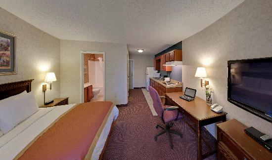 Hawthorn Suites by Wyndham Cincinnati: Studio Suite